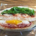 スターバックスのクラブハウスサンドイッチの贅沢感。