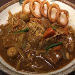 蒸し鶏と根菜の和風カレーで限定CoCo壱を味わう。