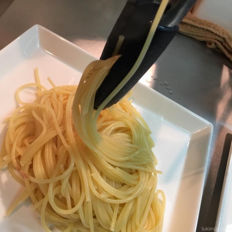 お皿の上に乗るパスタ