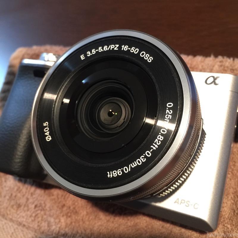 カメラのレンズ