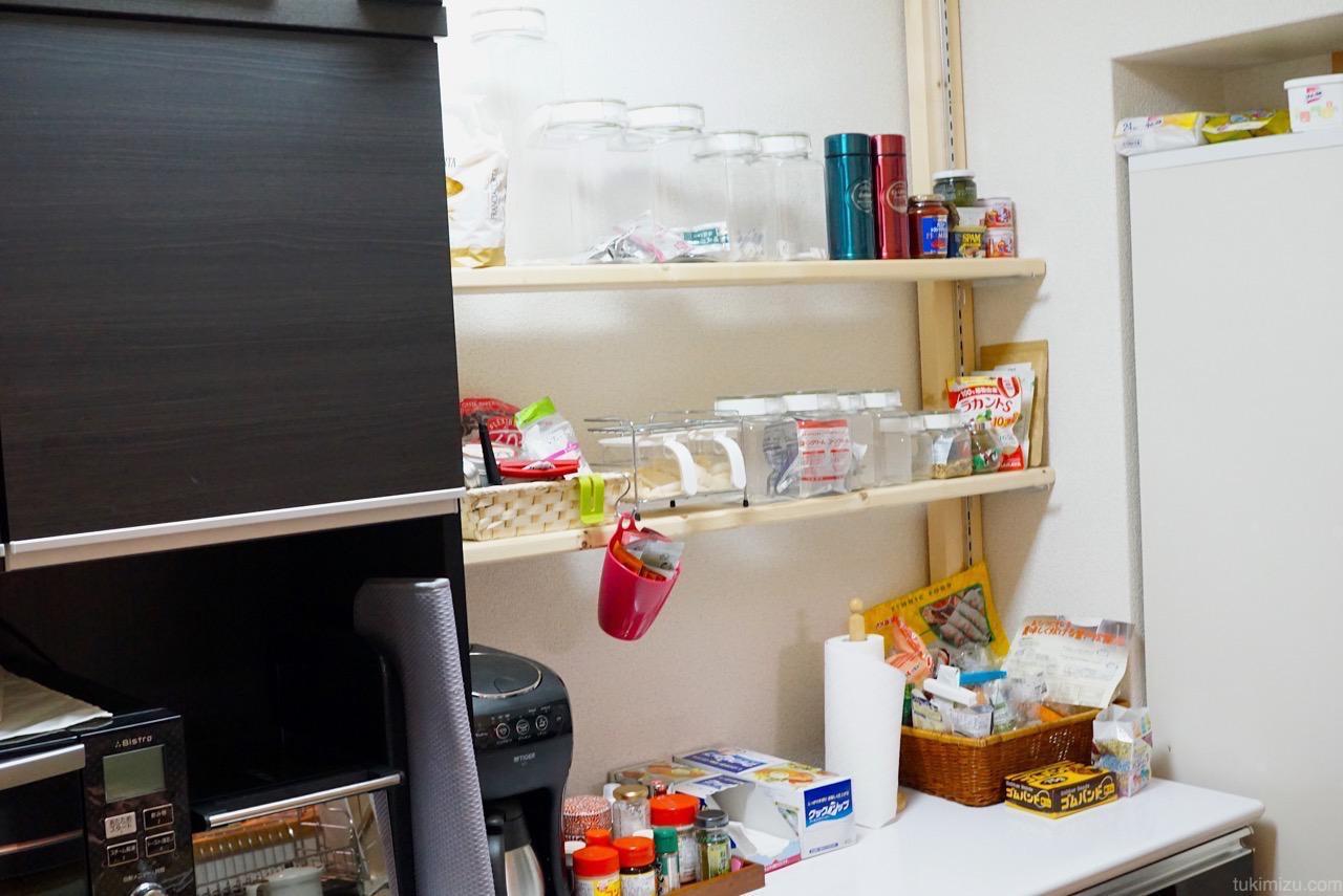 キッチン棚にものをのせたあと