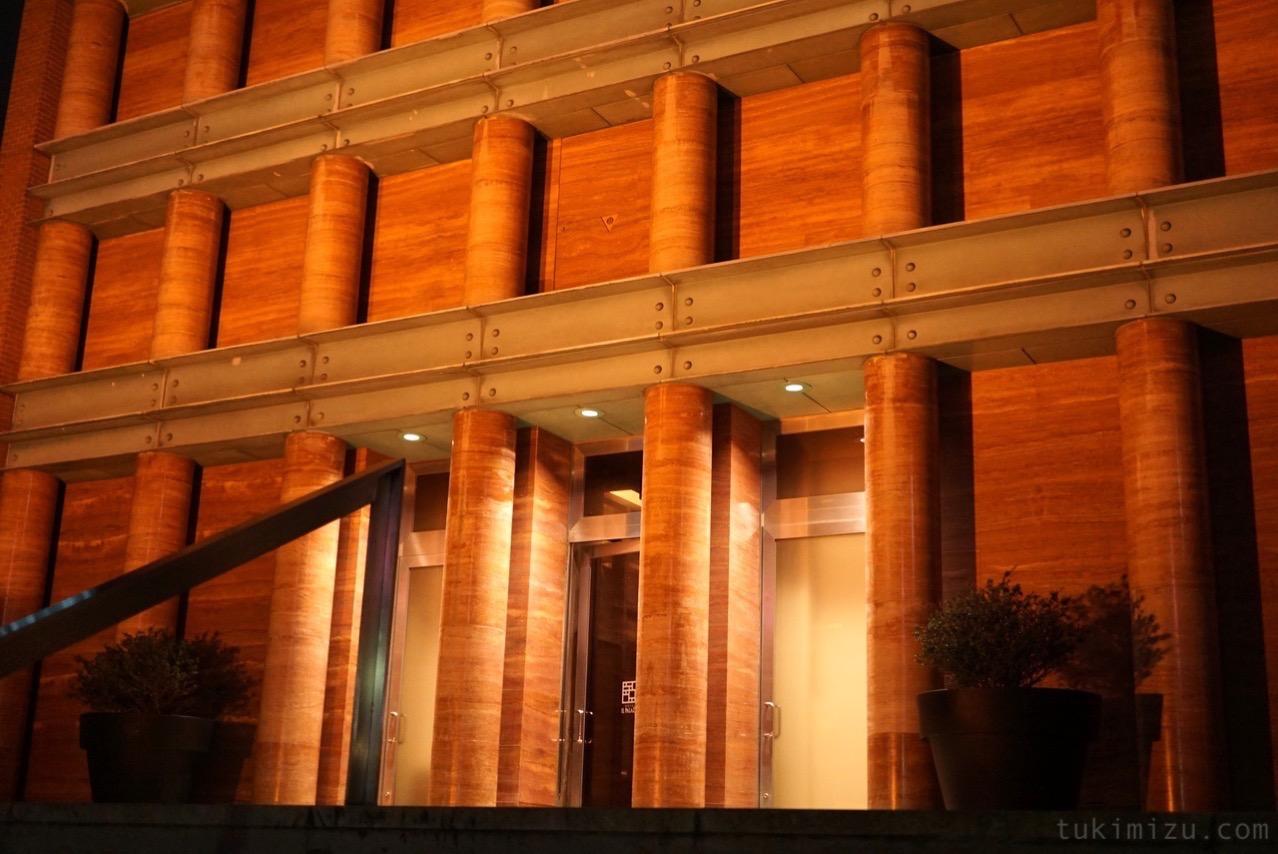 ホテル イル・パラッツォ入り口夜