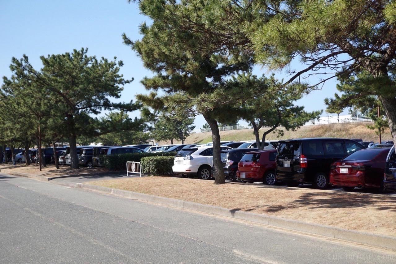 マリンワールド海の中道駐車場
