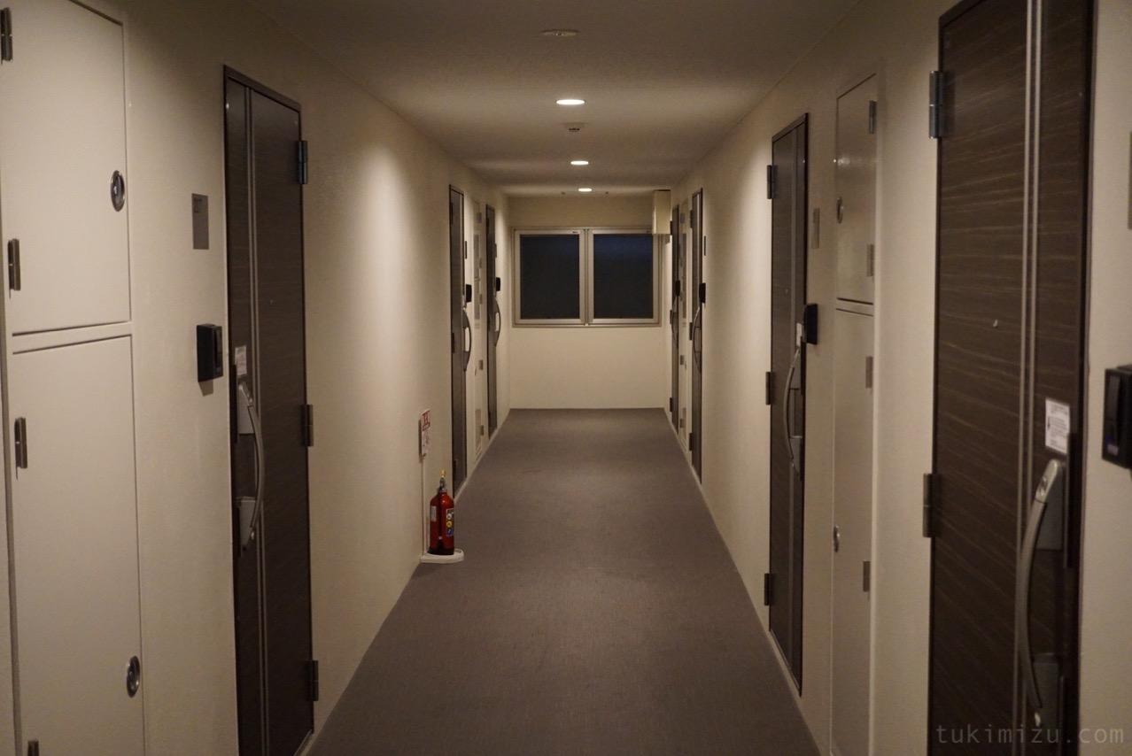 レジデンスホテル廊下