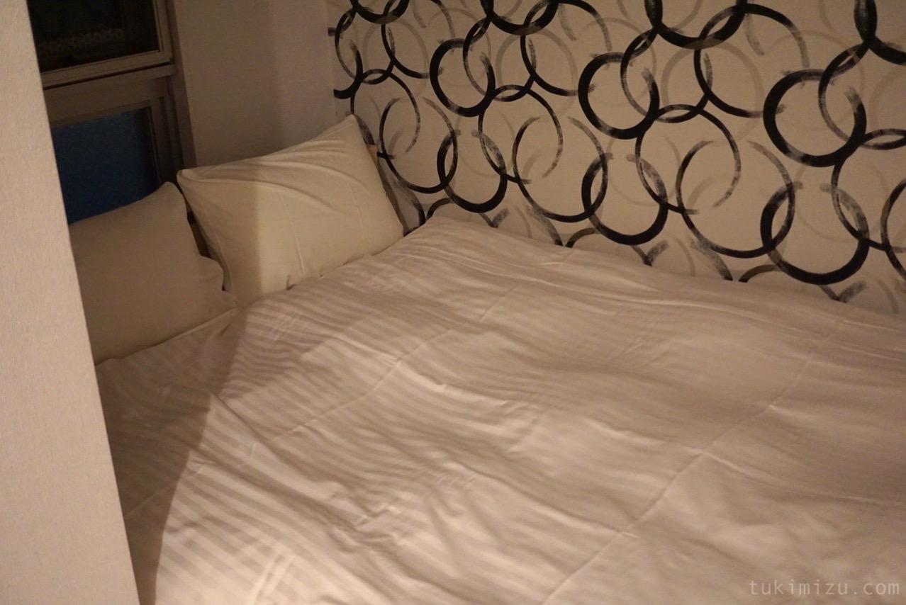 ホテルのベッド2