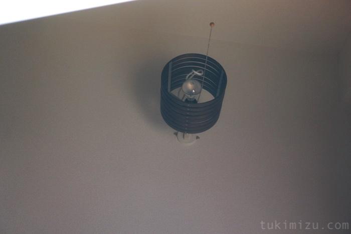 液晶に写った天井